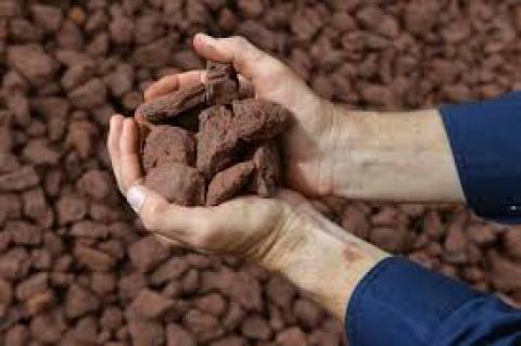 Nhập khẩu quặng sắt chứng kiến giá tăng 69.5% từ tháng 1 đến tháng 7